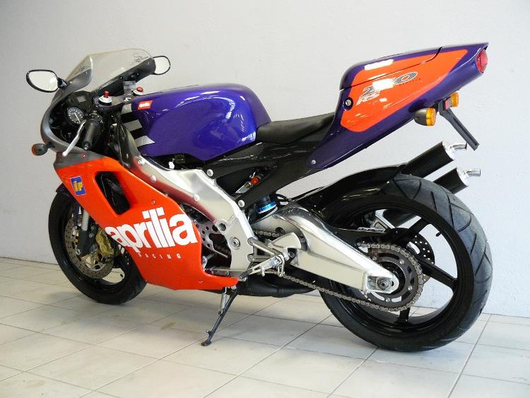 aprilia rs 250 de 1997 d 39 occasion motos anciennes de collection italienne motos vendues. Black Bedroom Furniture Sets. Home Design Ideas