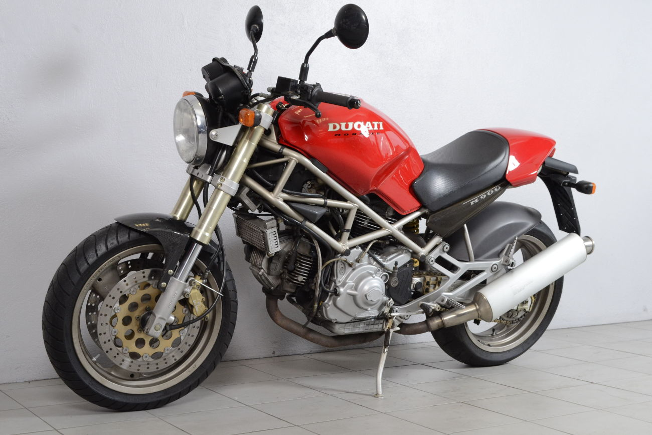 ducati 900 monster 2 de 1994 d 39 occasion motos anciennes de collection italienne motos vendues. Black Bedroom Furniture Sets. Home Design Ideas