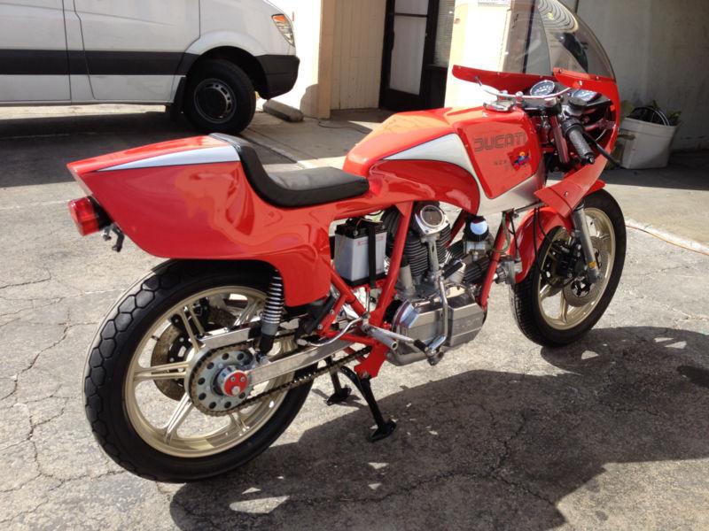 ducati 900 ss ncr de 1980 d 39 occasion motos anciennes de collection italienne motos vendues. Black Bedroom Furniture Sets. Home Design Ideas