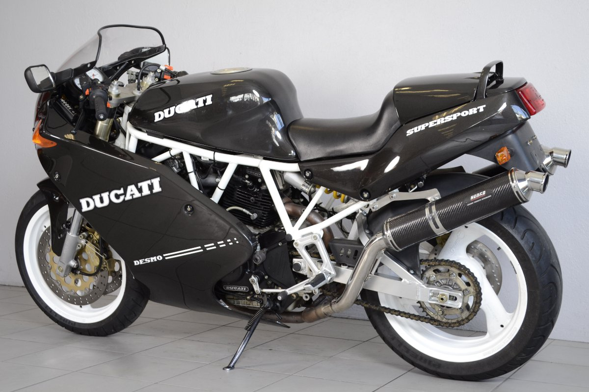 ducati 900 ss noire de 1992 d 39 occasion motos anciennes de collection italienne motos vendues. Black Bedroom Furniture Sets. Home Design Ideas
