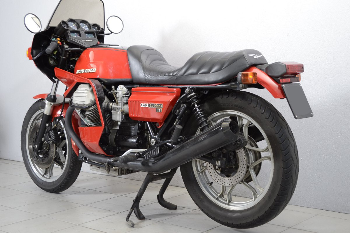 moto guzzi 850 le mans ii de 1981 d 39 occasion motos anciennes de collection italienne motos vendues. Black Bedroom Furniture Sets. Home Design Ideas