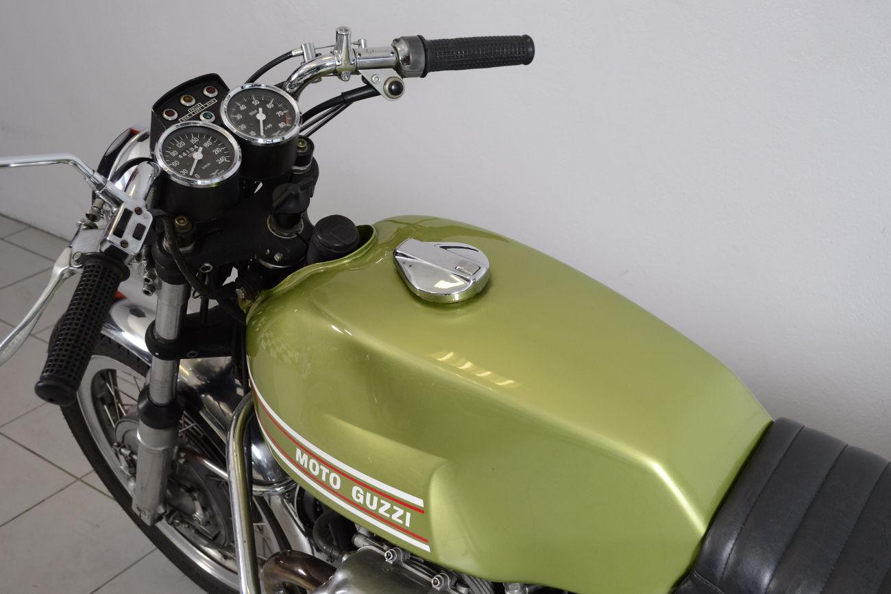 moto guzzi v7 sport de 1972 d 39 occasion motos anciennes de collection italienne motos vendues. Black Bedroom Furniture Sets. Home Design Ideas