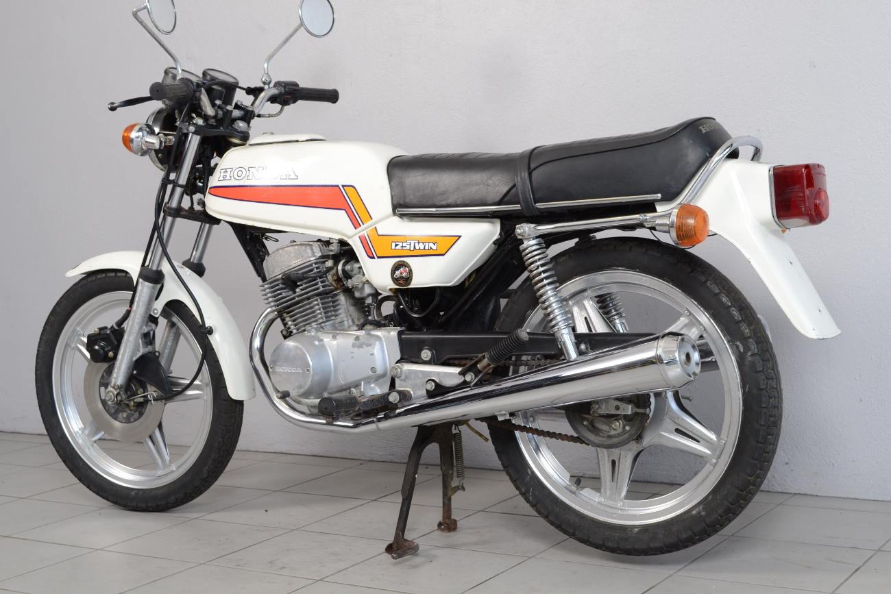 honda 125 twin de 1979 d 39 occasion motos anciennes de collection motos vendues. Black Bedroom Furniture Sets. Home Design Ideas