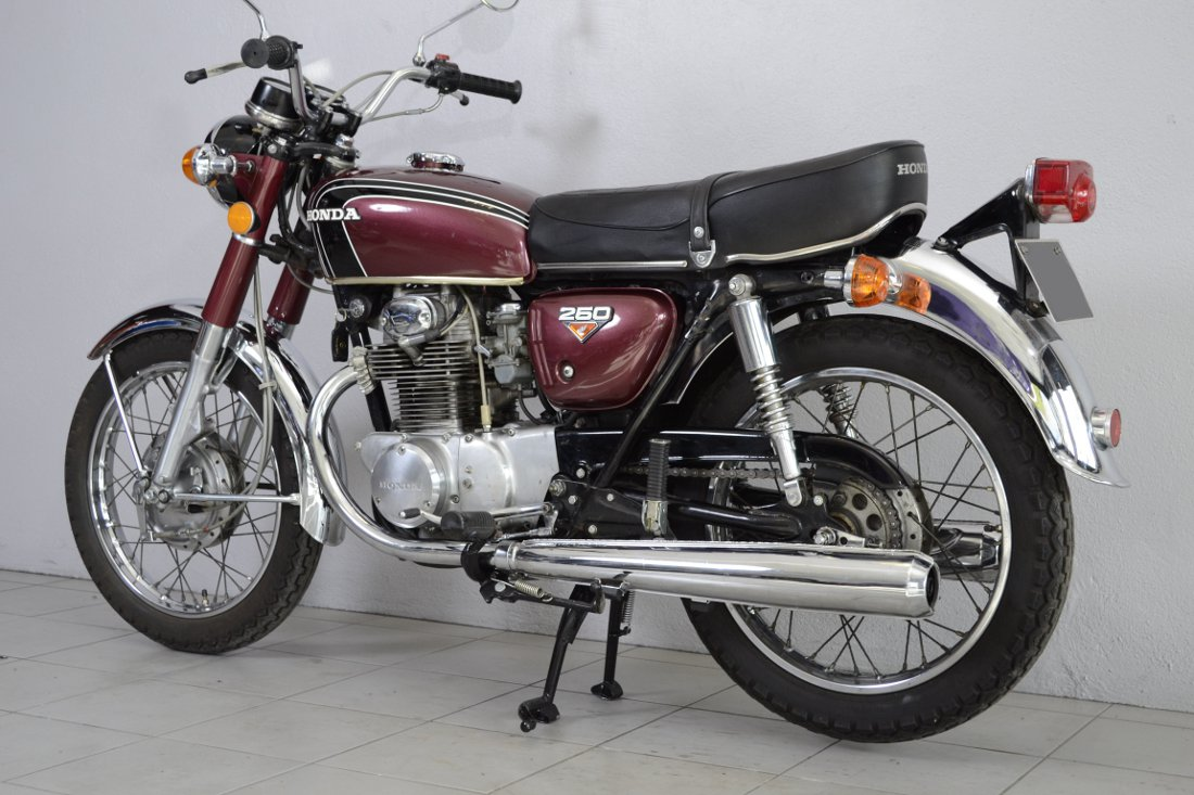 honda cb 250 k4 de 1972 d 39 occasion motos anciennes de collection japonaise motos vendues. Black Bedroom Furniture Sets. Home Design Ideas