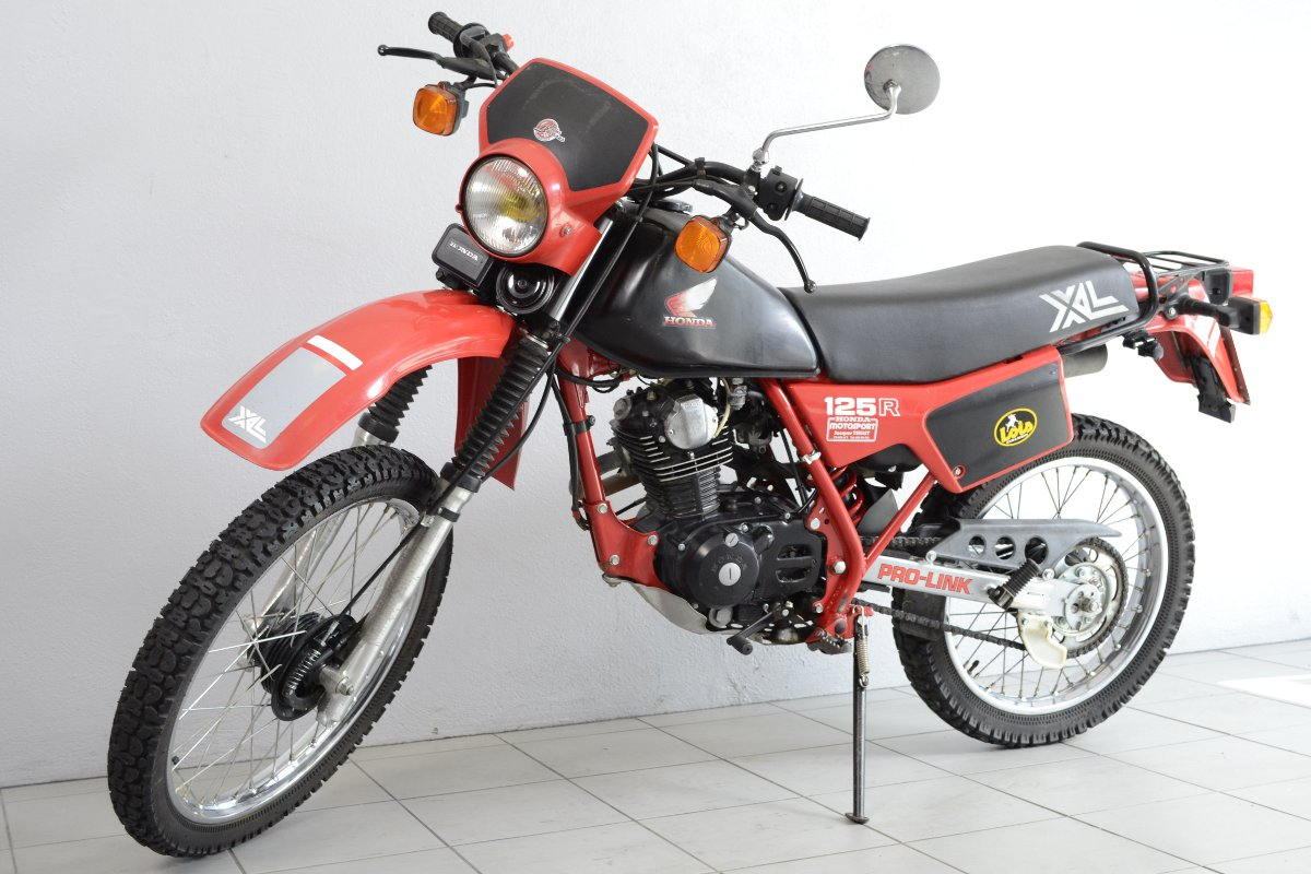 honda xl 125 r de 1983 d 39 occasion motos anciennes de collection japonaise motos vendues. Black Bedroom Furniture Sets. Home Design Ideas