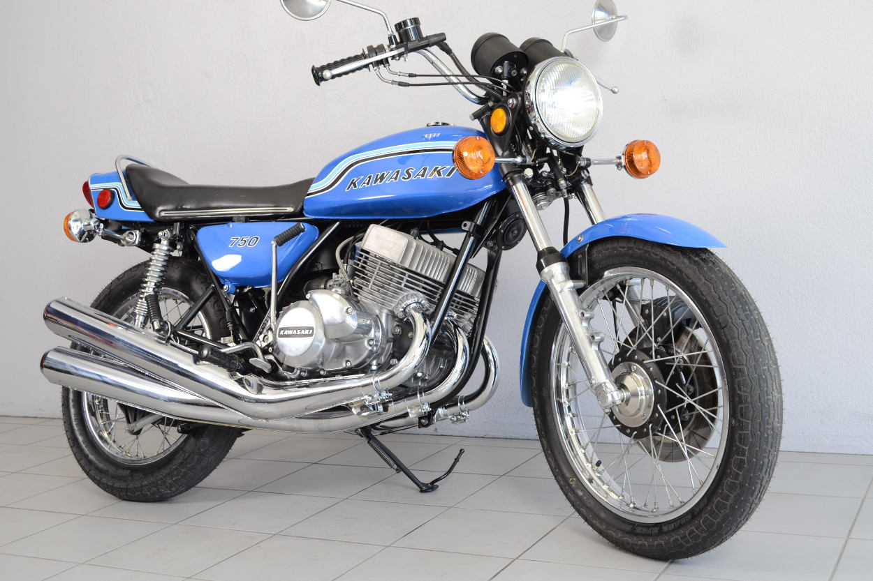 kawasaki 750 h2 de 1972 d 39 occasion motos anciennes de collection japonaise motos vendues. Black Bedroom Furniture Sets. Home Design Ideas