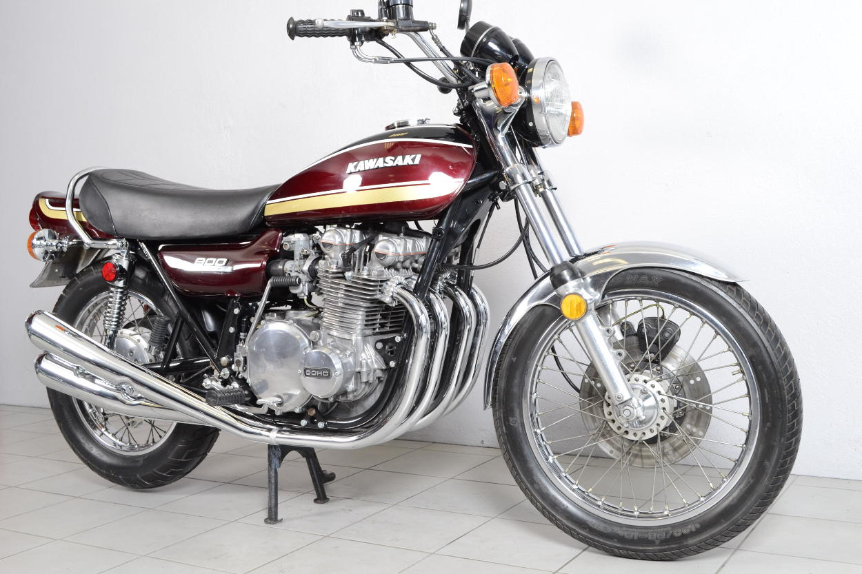 kawasaki 900 z1 de 1975 d 39 occasion motos anciennes de collection japonaise motos vendues. Black Bedroom Furniture Sets. Home Design Ideas