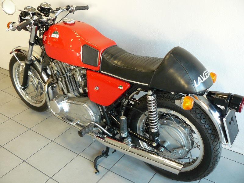 laverda 750 sf de 1971 d 39 occasion motos anciennes de collection italienne motos vendues. Black Bedroom Furniture Sets. Home Design Ideas