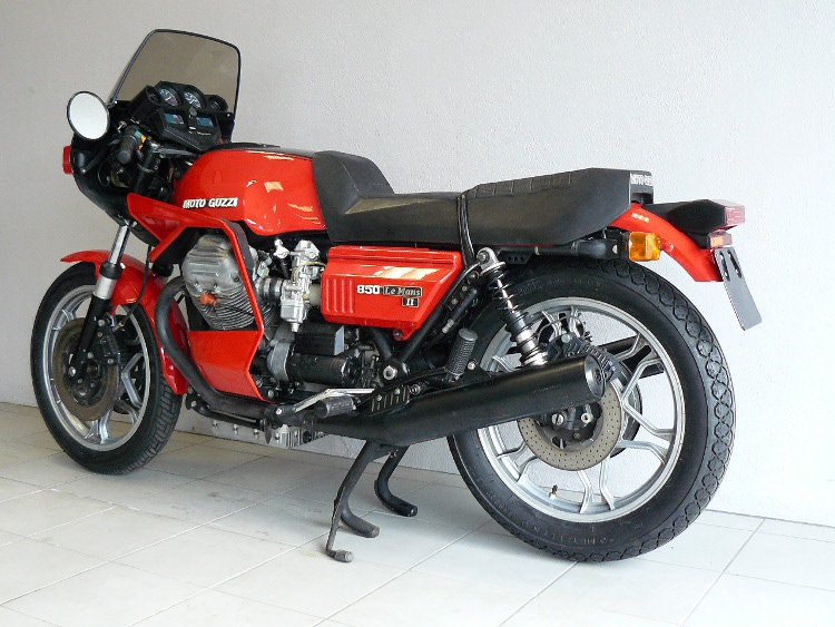 moto guzzi le mans 2 de 1980 d 39 occasion motos anciennes de collection italienne motos vendues. Black Bedroom Furniture Sets. Home Design Ideas