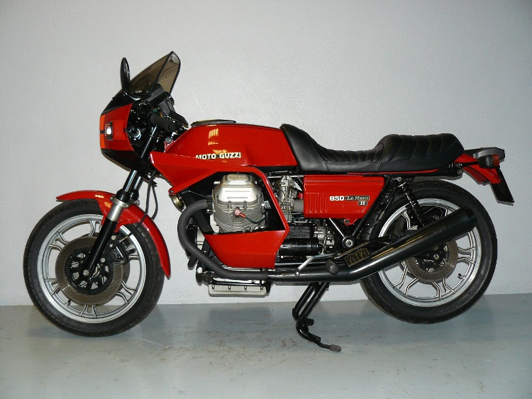 moto guzzi le mans 2 de 1981 d 39 occasion motos anciennes de collection italienne motos vendues. Black Bedroom Furniture Sets. Home Design Ideas