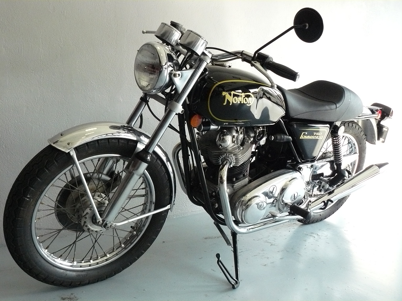 norton 750 commando de 1972 d 39 occasion motos anciennes de collection anglaise motos vendues. Black Bedroom Furniture Sets. Home Design Ideas