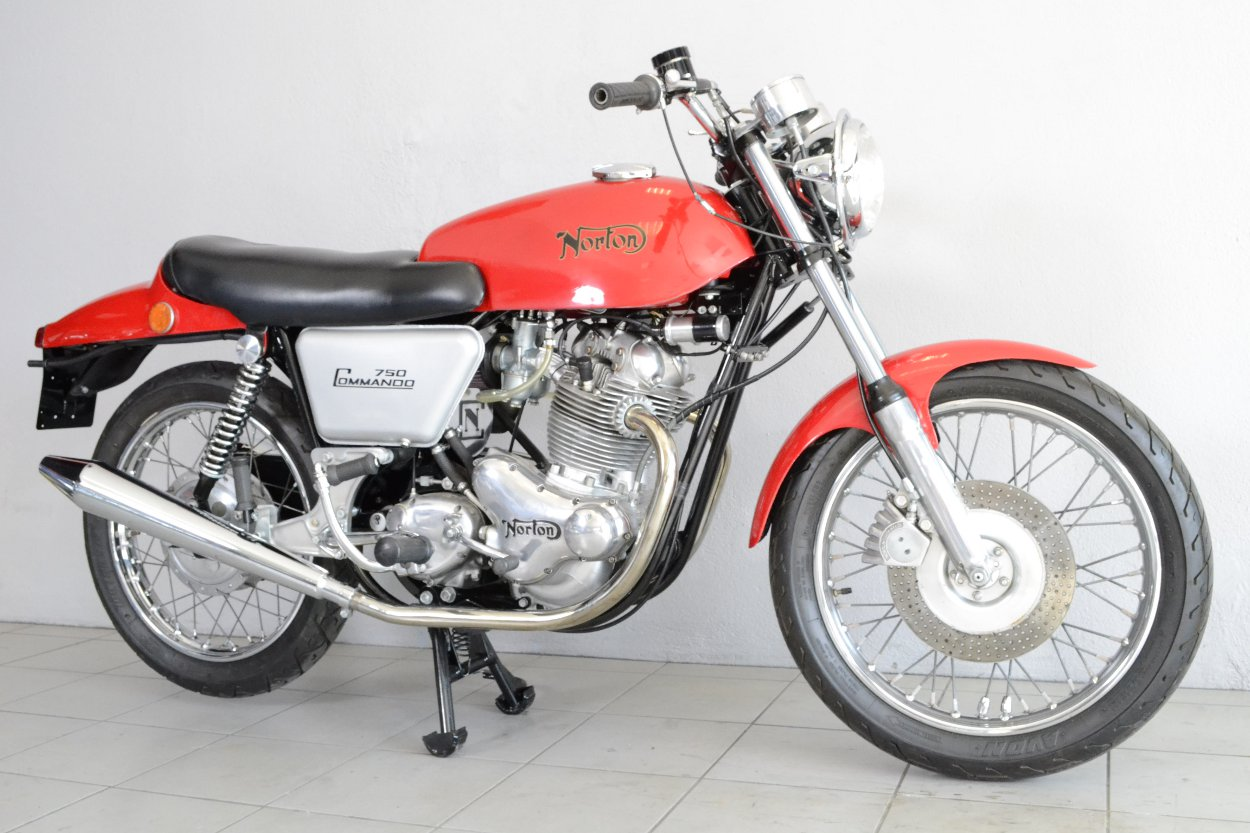 norton 750 fastback de 1970 d 39 occasion motos anciennes de collection anglaise motos vendues. Black Bedroom Furniture Sets. Home Design Ideas
