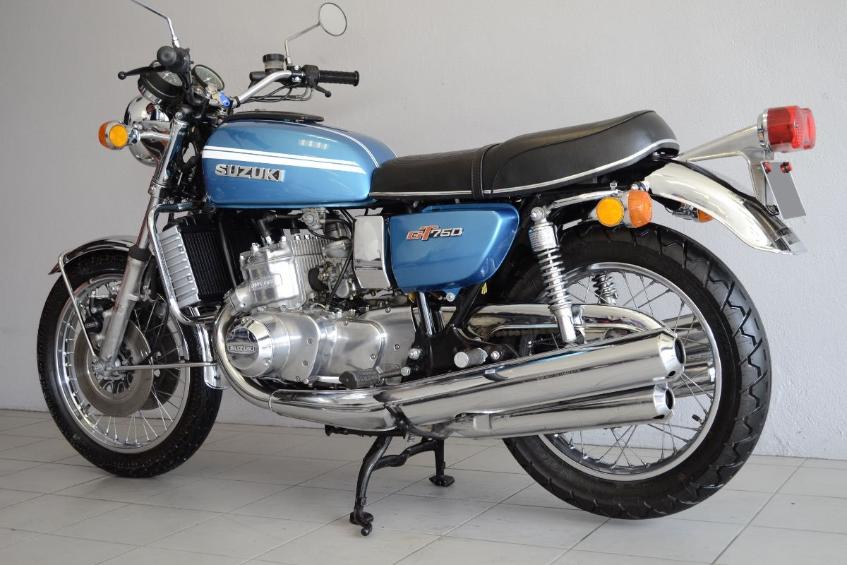 suzuki gt 750 m bleu de 1975 d 39 occasion motos anciennes de collection japonaise motos vendues. Black Bedroom Furniture Sets. Home Design Ideas