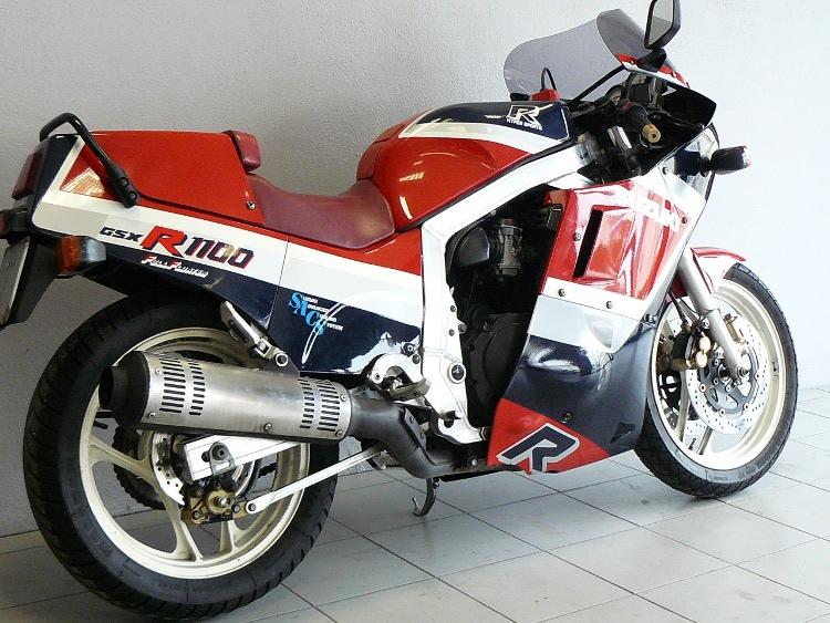 suzuki 1100 gsxr de 1986 d 39 occasion motos anciennes de collection japonaise motos vendues. Black Bedroom Furniture Sets. Home Design Ideas