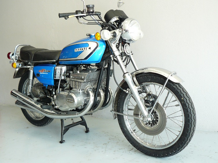 suzuki 380 gt de 1974 d 39 occasion motos anciennes de collection japonaise motos vendues. Black Bedroom Furniture Sets. Home Design Ideas