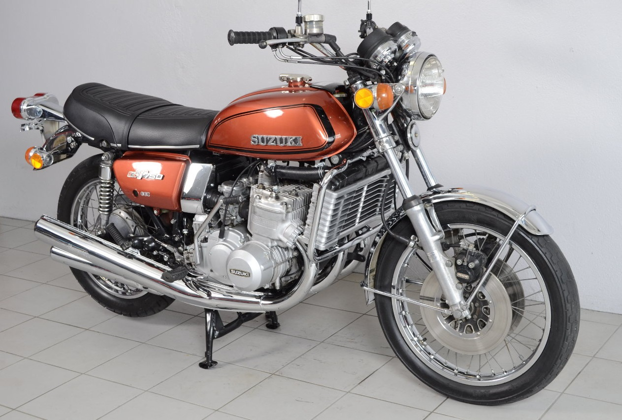 suzuki gt 750 m de 1975 d 39 occasion motos anciennes de collection japonaise motos vendues. Black Bedroom Furniture Sets. Home Design Ideas