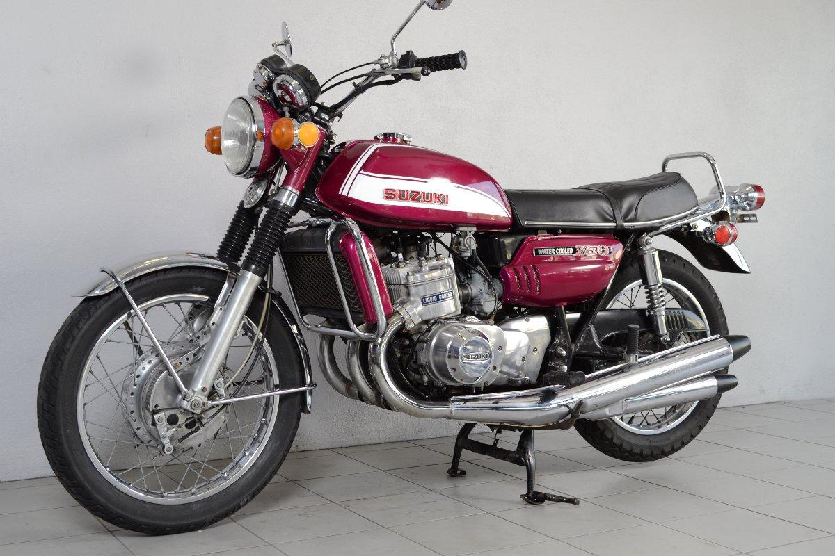 suzuki 750 gt j de 1972 d 39 occasion motos anciennes de collection japonaise motos vendues. Black Bedroom Furniture Sets. Home Design Ideas