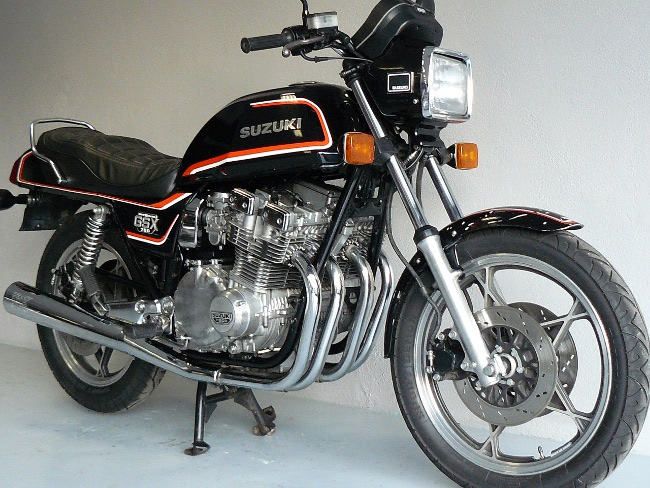 suzuki 750 gsx de 1982 d 39 occasion motos anciennes de collection japonaise motos vendues. Black Bedroom Furniture Sets. Home Design Ideas