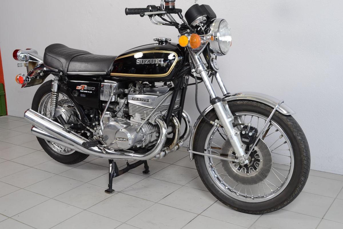 suzuki gt 550 de 1975 d 39 occasion motos anciennes de collection japonaise motos vendues. Black Bedroom Furniture Sets. Home Design Ideas