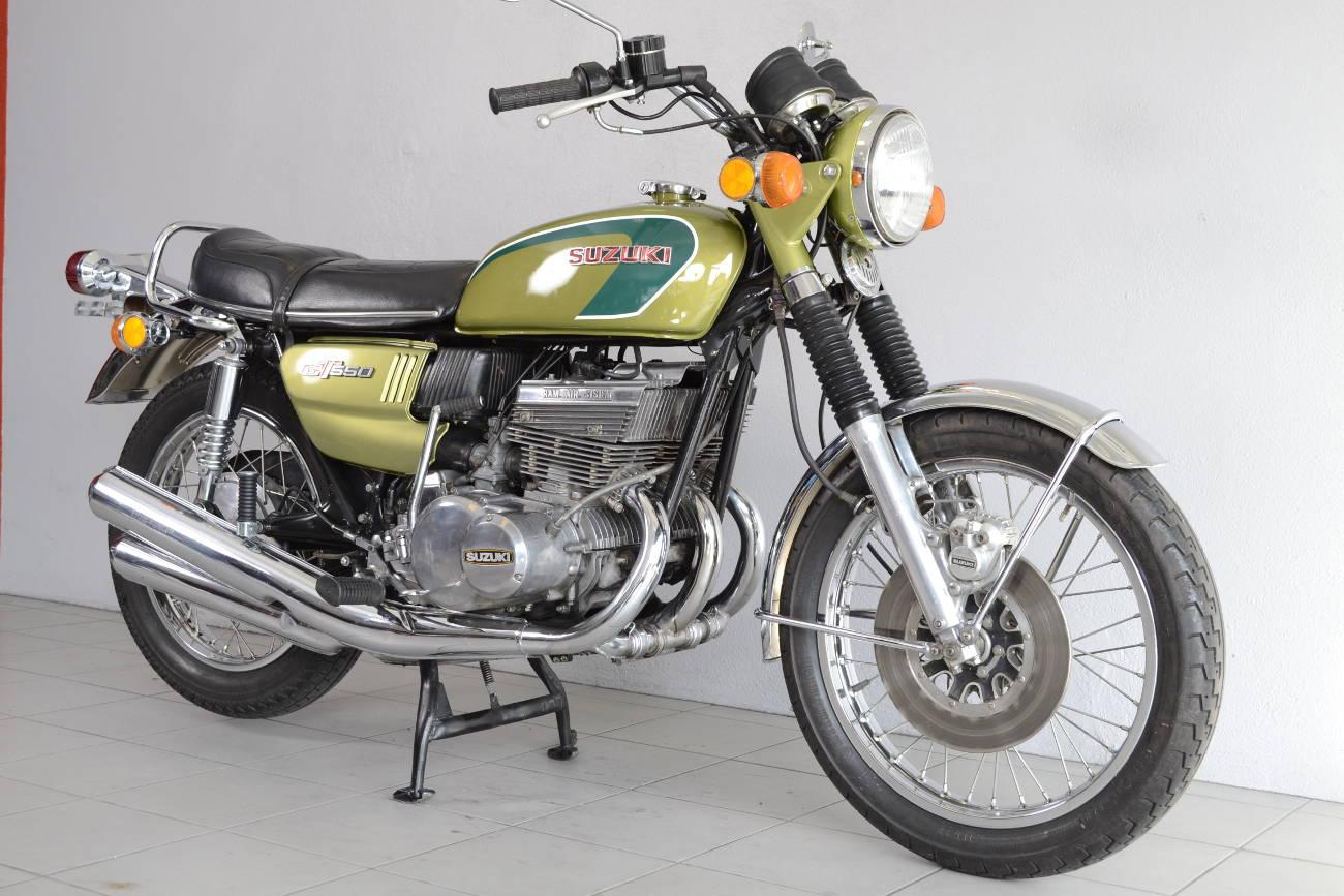 suzuki gt 550 de 1974 d 39 occasion motos anciennes de collection japonaise motos vendues. Black Bedroom Furniture Sets. Home Design Ideas