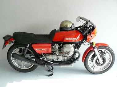 2011IT02 - Guzzi Le Mans 1 - 30