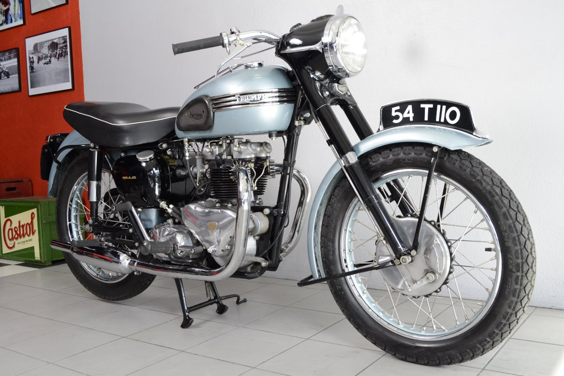 triumph t110 de 1954 d 39 occasion motos anciennes de collection anglaise motos vendues. Black Bedroom Furniture Sets. Home Design Ideas