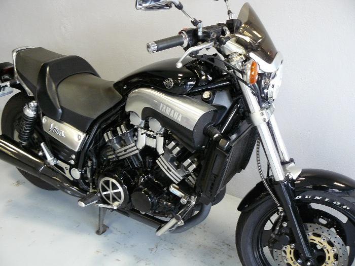 yamaha 1200 v max de 1997 d 39 occasion motos anciennes de collection japonaise motos vendues. Black Bedroom Furniture Sets. Home Design Ideas