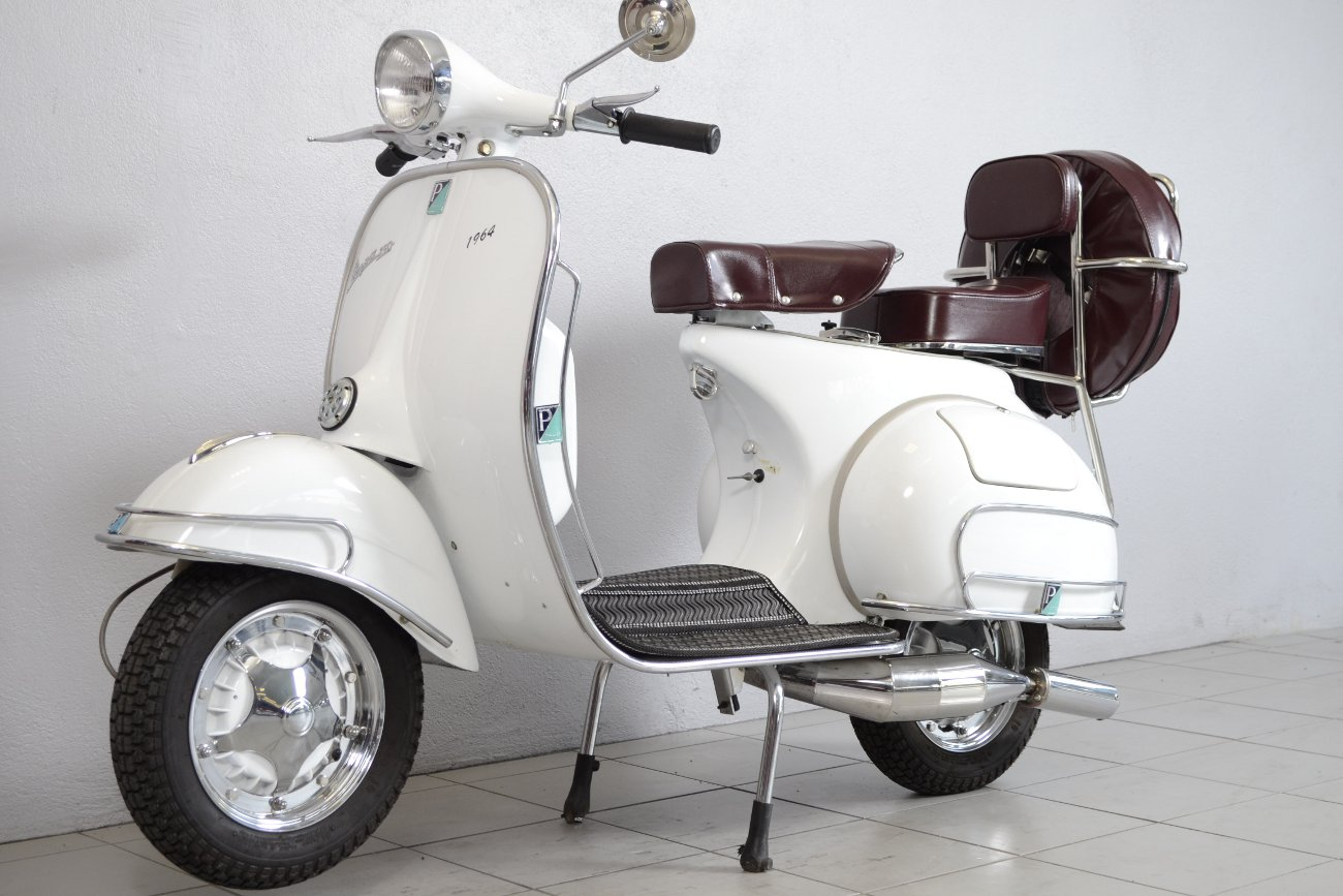vespa piaggio vbb2t de 1964 d 39 occasion motos anciennes de collection italienne motos vendues. Black Bedroom Furniture Sets. Home Design Ideas