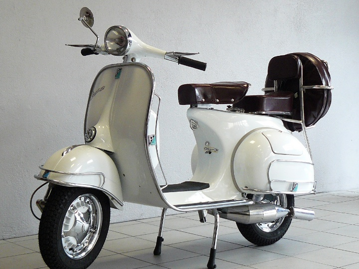 vespa piaggio vbb2t blanc de 1964 d 39 occasion motos anciennes de collection italienne motos vendues. Black Bedroom Furniture Sets. Home Design Ideas