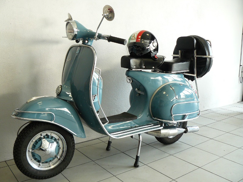 vespa piaggio vbb2t bleu de 1964 d 39 occasion motos anciennes de collection italienne motos vendues. Black Bedroom Furniture Sets. Home Design Ideas