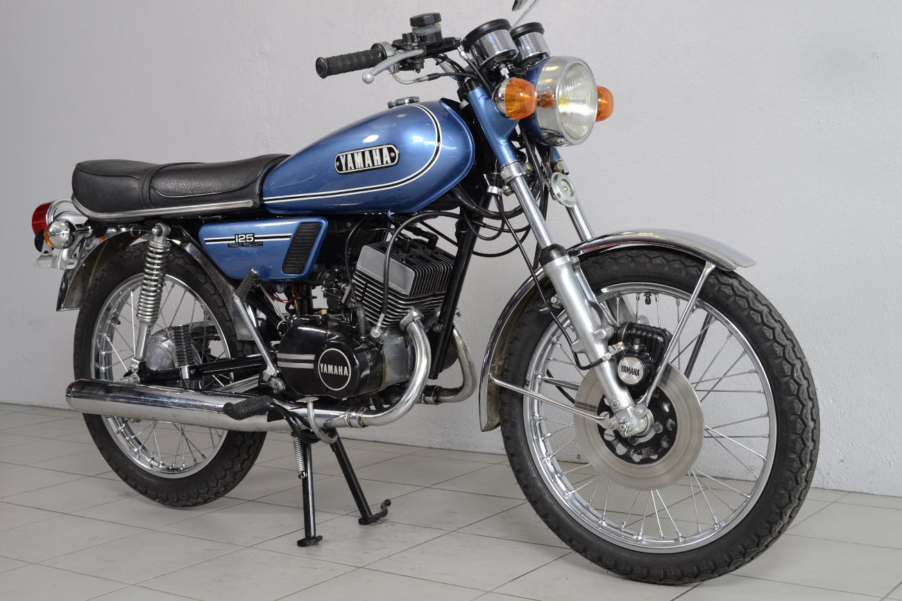 yamaha 125 rd de 1974 d 39 occasion motos anciennes de collection japonaise motos vendues. Black Bedroom Furniture Sets. Home Design Ideas