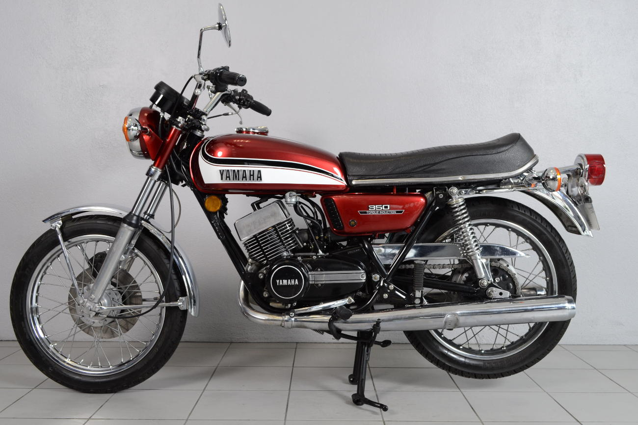 yamaha 350 rd de 1973 d 39 occasion motos anciennes de collection japonaise motos vendues. Black Bedroom Furniture Sets. Home Design Ideas