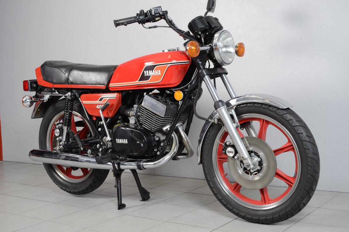 yamaha 400 rd de 1977 d 39 occasion motos anciennes de collection japonaise motos vendues. Black Bedroom Furniture Sets. Home Design Ideas