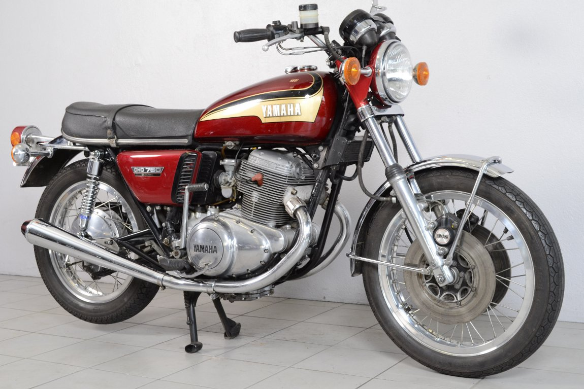 yamaha 750 tx de 1974 d 39 occasion motos anciennes de collection japonaise motos vendues. Black Bedroom Furniture Sets. Home Design Ideas
