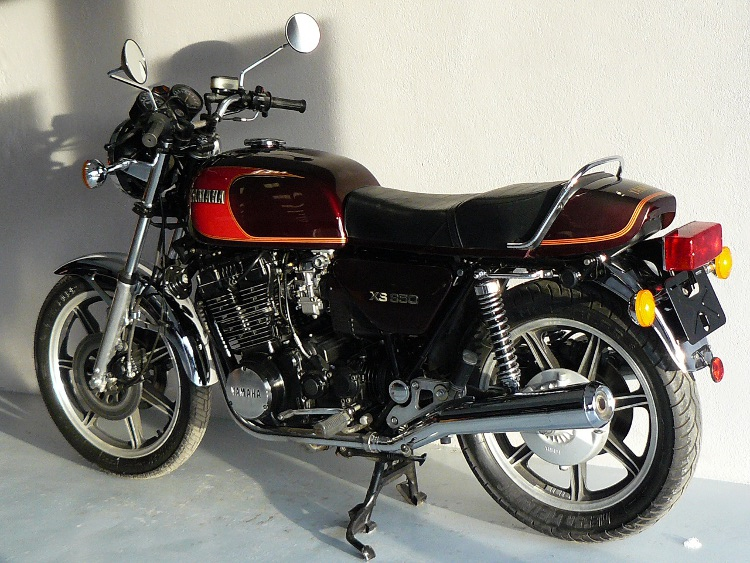 yamaha 850 xs de 1980 d 39 occasion motos anciennes de collection japonaise motos vendues. Black Bedroom Furniture Sets. Home Design Ideas