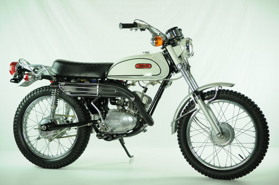 yamaha 125 at1 de 1971 d 39 occasion motos anciennes de collection japonaise motos vendues. Black Bedroom Furniture Sets. Home Design Ideas