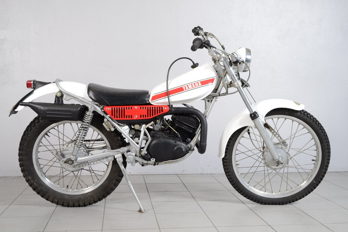 yamaha 125 ty de 1976 d 39 occasion motos anciennes de collection japonaise motos vendues. Black Bedroom Furniture Sets. Home Design Ideas