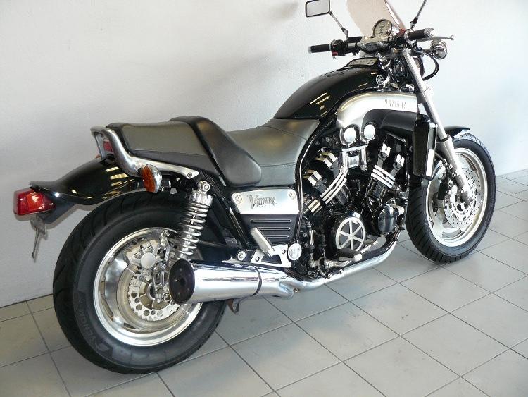 yamaha v max de 1999 d 39 occasion motos anciennes de collection japonaise motos vendues. Black Bedroom Furniture Sets. Home Design Ideas