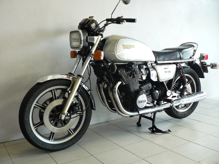 yamaha xs 1100 de 1978 d 39 occasion motos anciennes de collection motos vendues. Black Bedroom Furniture Sets. Home Design Ideas