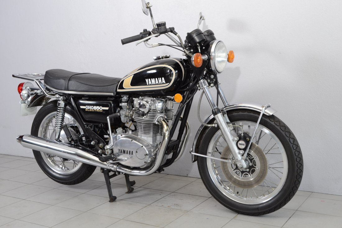 yamaha 650 xs 447 de 1975 d 39 occasion motos anciennes de collection japonaise motos vendues. Black Bedroom Furniture Sets. Home Design Ideas