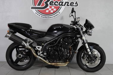 Triumph 955i Speed Triple (9)